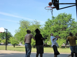 Canon SD880, June 19, 2012, Kilbourn Park, Chicago, Basketball, Waiting to Rebound