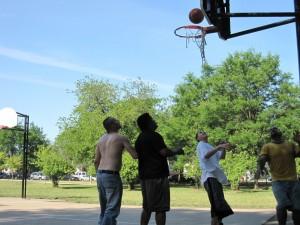 Canon SD880, June 19, 2012, Kilbourn Park, Chicago, Basketball, Waiting to Rebound