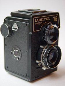 Wikipedia - LOMO_Lubitel-166